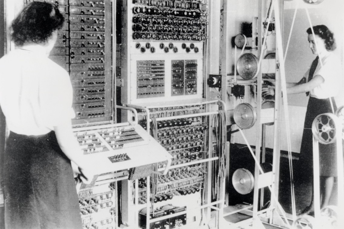 Colossus codebreaking computer in operation (1943) Source: The National Archives (FO850/234)