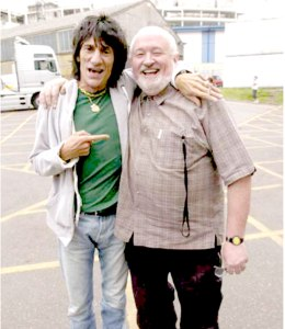 Alan Rogan with Ronnie Wood, https://www.thewho.com/alan-rogan/